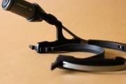 ...all'interno dei quali si fissa l'elastico per migliorare l'utilizzo quando indossata, rendendola più salda e ferma nei movimenti