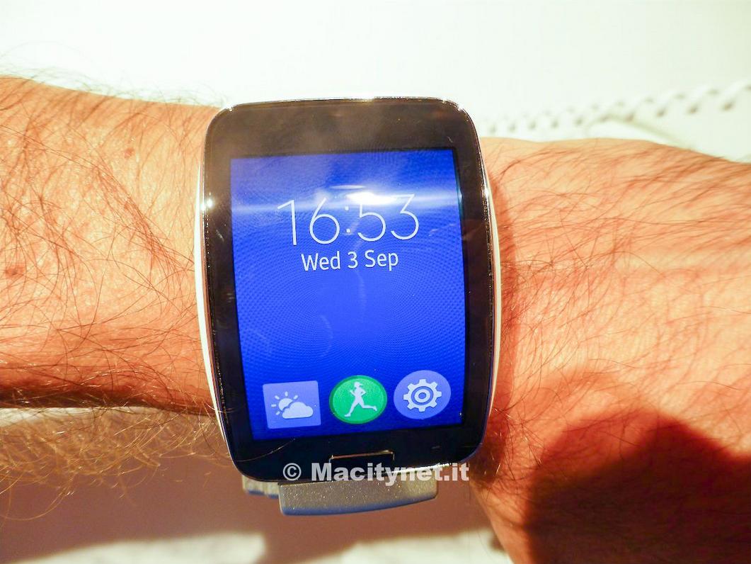 Gear s l orologio smartphone di samsung in vendita anche for Orologio della samsung