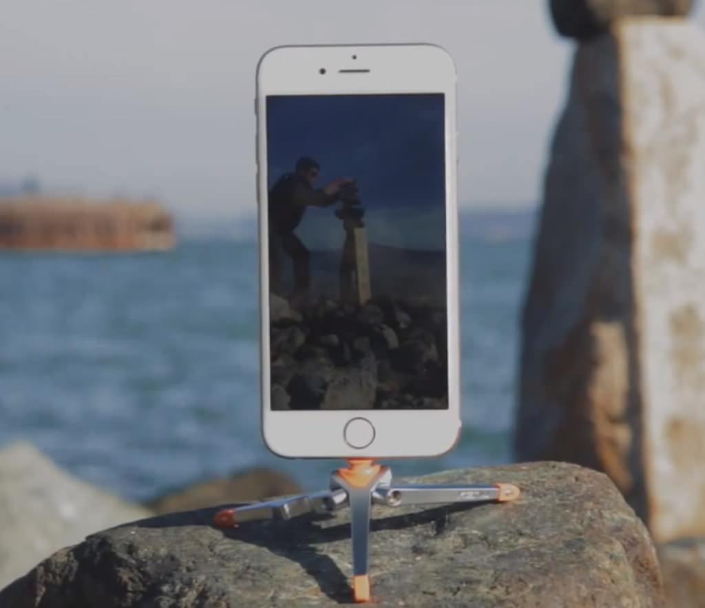 Stance, il treppiede da taschino per iPhone