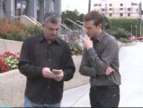 Eddy Cue fa shopping per mostrare come funziona Apple Pay