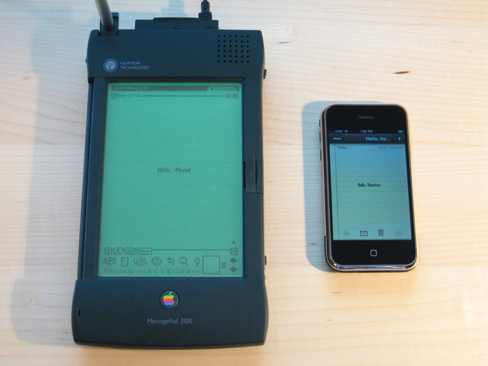 iPhone contro Newton 1000