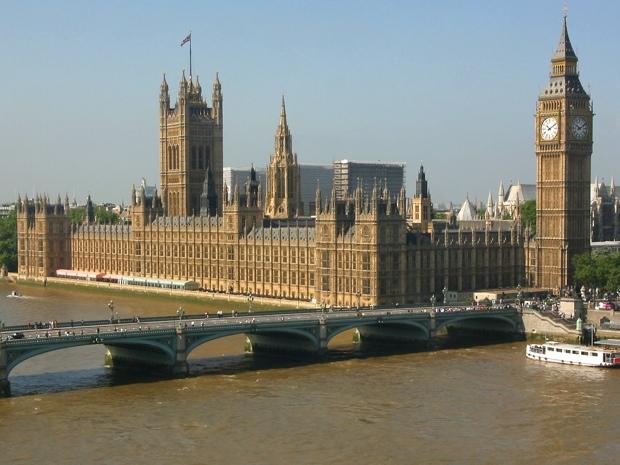 Parlamento inglese evacuato per pacco sospetto un ipad for Parlamento ieri