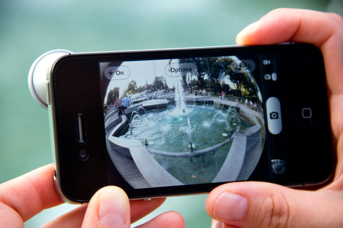 телефон издает звук как будто фотографирует парижу