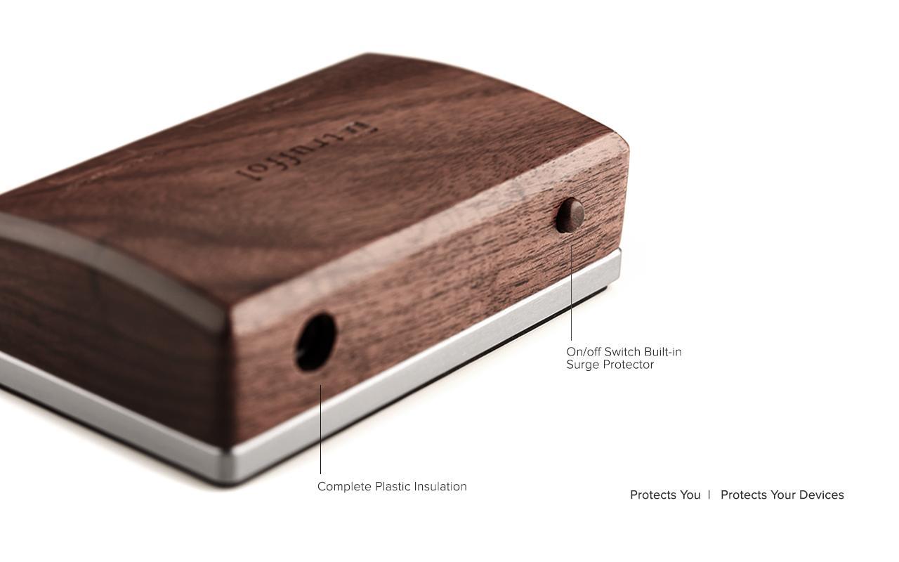 Station Charger, il caricatore da scrivania in legno con 5 USB