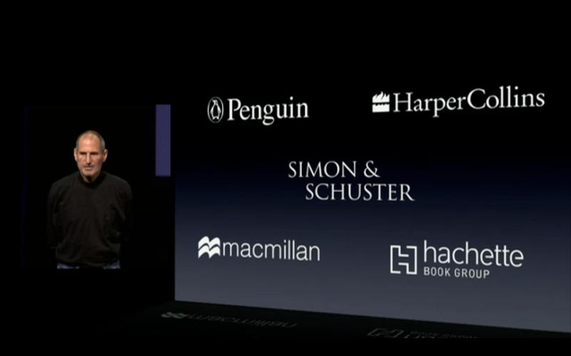 Steve Jobs nel 2010 presenta l'app iBooks per iPad e alcuni degli editori partner