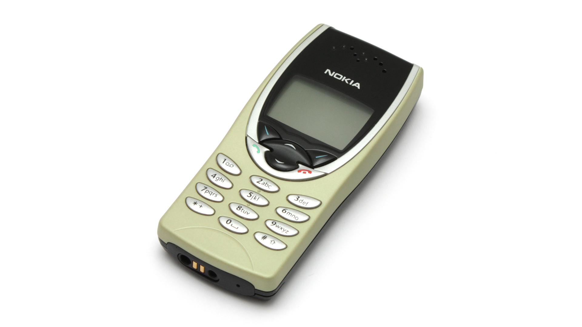 Nokia 8210 il cellulare preferito dagli spacciatori in uk for Smartphone piccole dimensioni