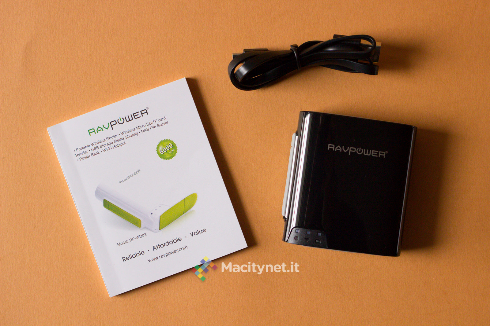 Recensione RAVPower RP-WD02, mini NAS che amplia la memoria di iPhone, carica le batterie