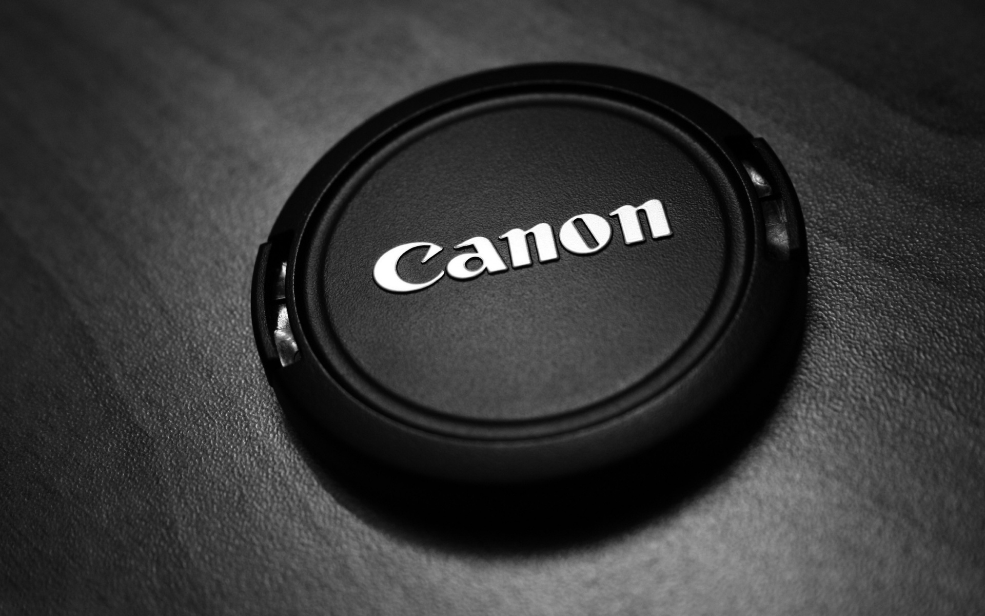 Canon, risultati fiscali sotto le attese; colpa degli smartphone