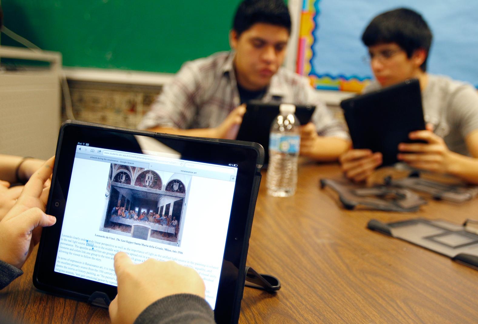 Los Angeles, dopo la debacle del piano iPad niente più computer per tutti gli studenti