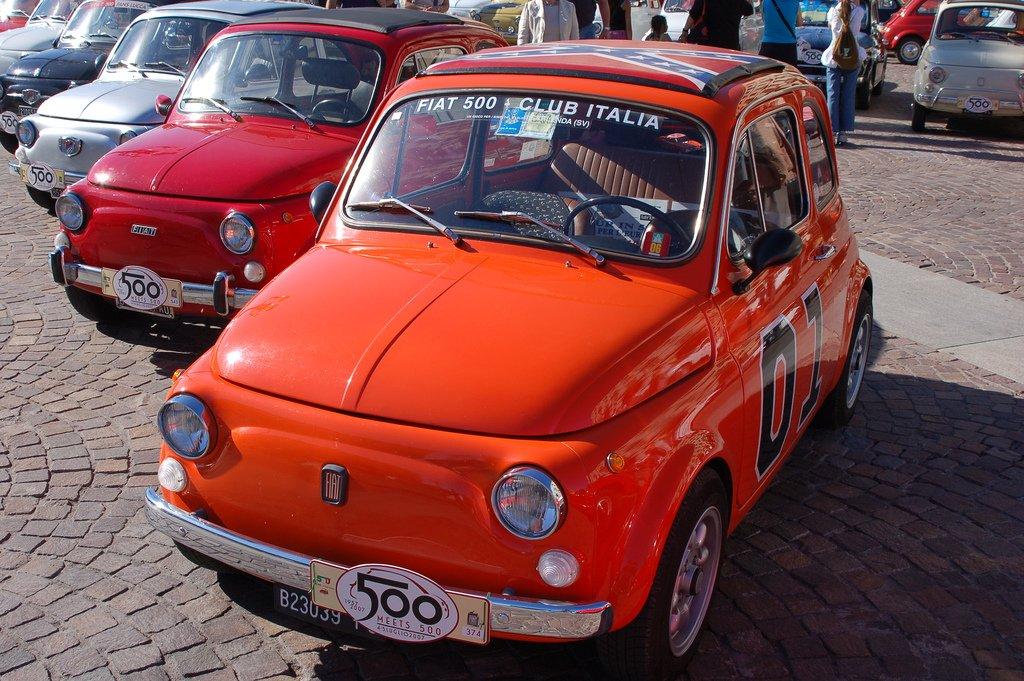 Le Auto Di Jony Ive Dalla Vecchia Fiat 500 Alla Aston