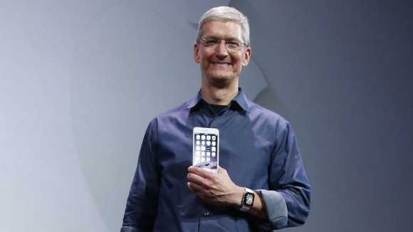apple-watch-iphone-tim-cook