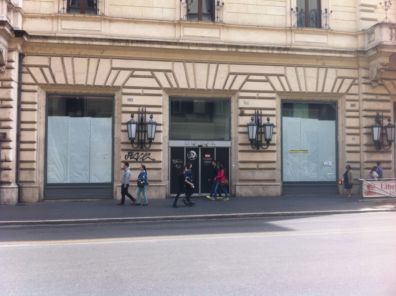 Apple store via del corso a roma partiti i lavori for Mac roma via del corso