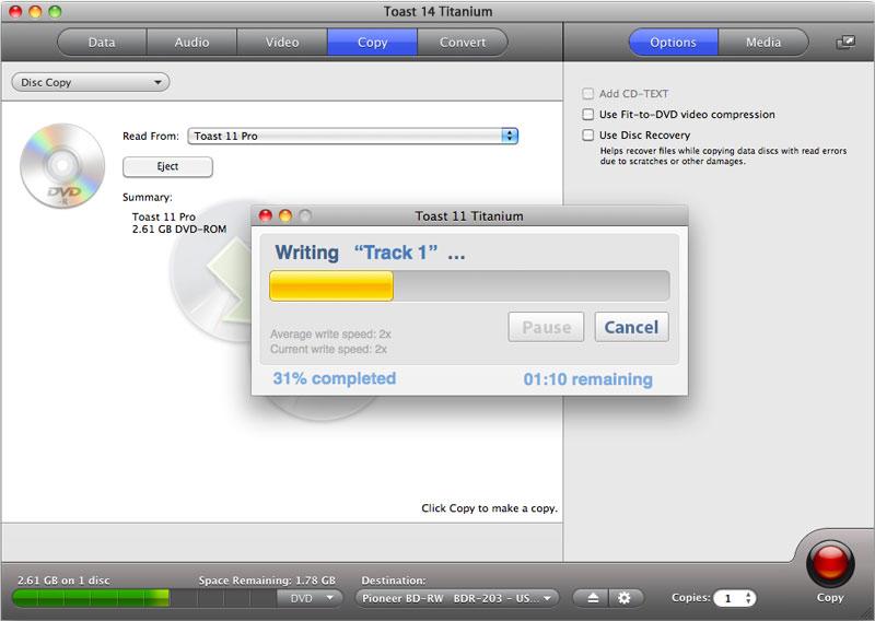 Toast permette di copia CD, DVD e Blu-ray Disc. È possiible masterizzare CD anche a partire da immagini-disco (in formato Toast ma non solo). Le immagini-disco possono essere montate nel Finder.
