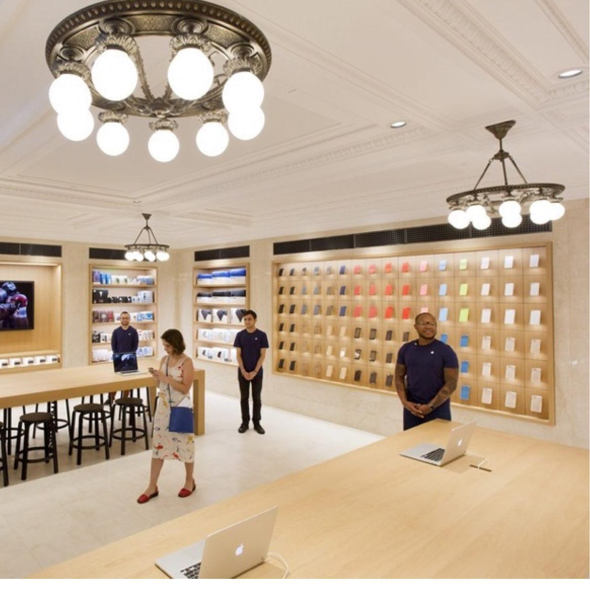 Apple avrà nei suoi negozi solo gli accessori di aziende che accettano di  avere imballi co-disegnati dal suo ufficio stile bf6b7da376f9