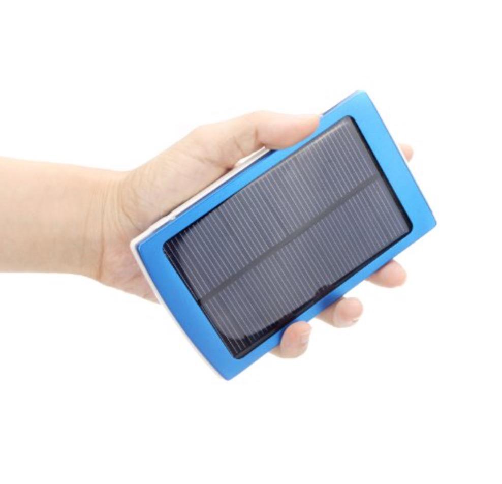 Pannello Solare Per Iphone : Sconto su batteria con pannello incorporato per ricarica