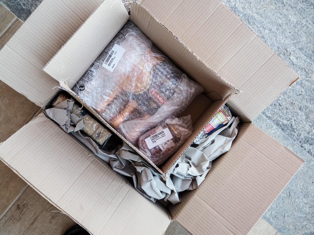 apertura pacco interno amazon con alimenti-6