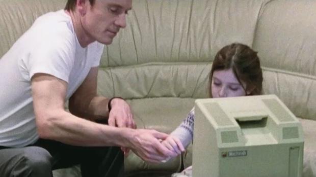 film Steve Jobs Lisa mano 620