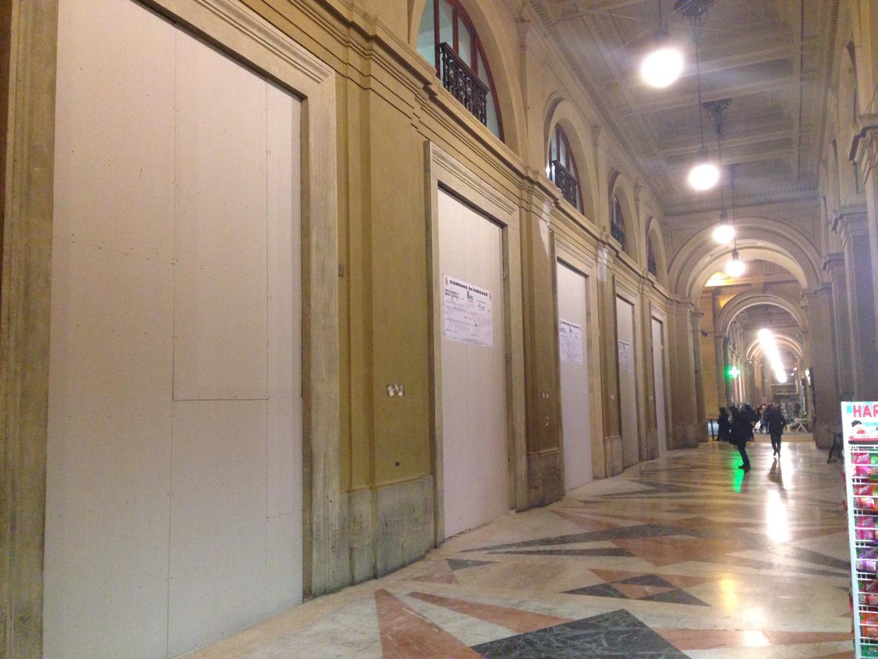 Apple store di firenze iniziato l 39 arredo apertura entro for Arredo store