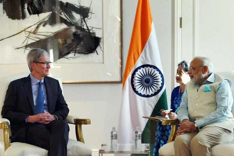 TIm Cook con il Primo Ministro Narendra Modi nel corso del meeting che si è svolto a San Jose (California).