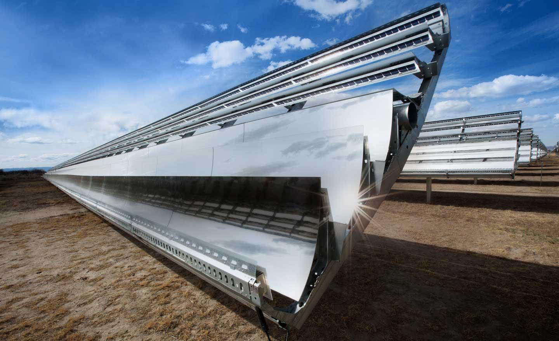 Foto dell'impianto fotovoltaico Apple di Yerington (Nevada); questo è in grado di genera fino a 20 megawatt di energia rinnovabile per il data center di Reno.
