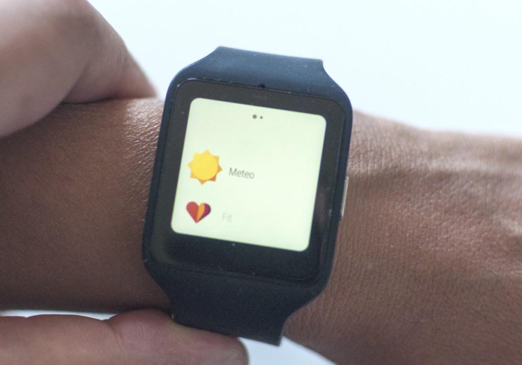 Sony smartwatch 3 10 ok 1200