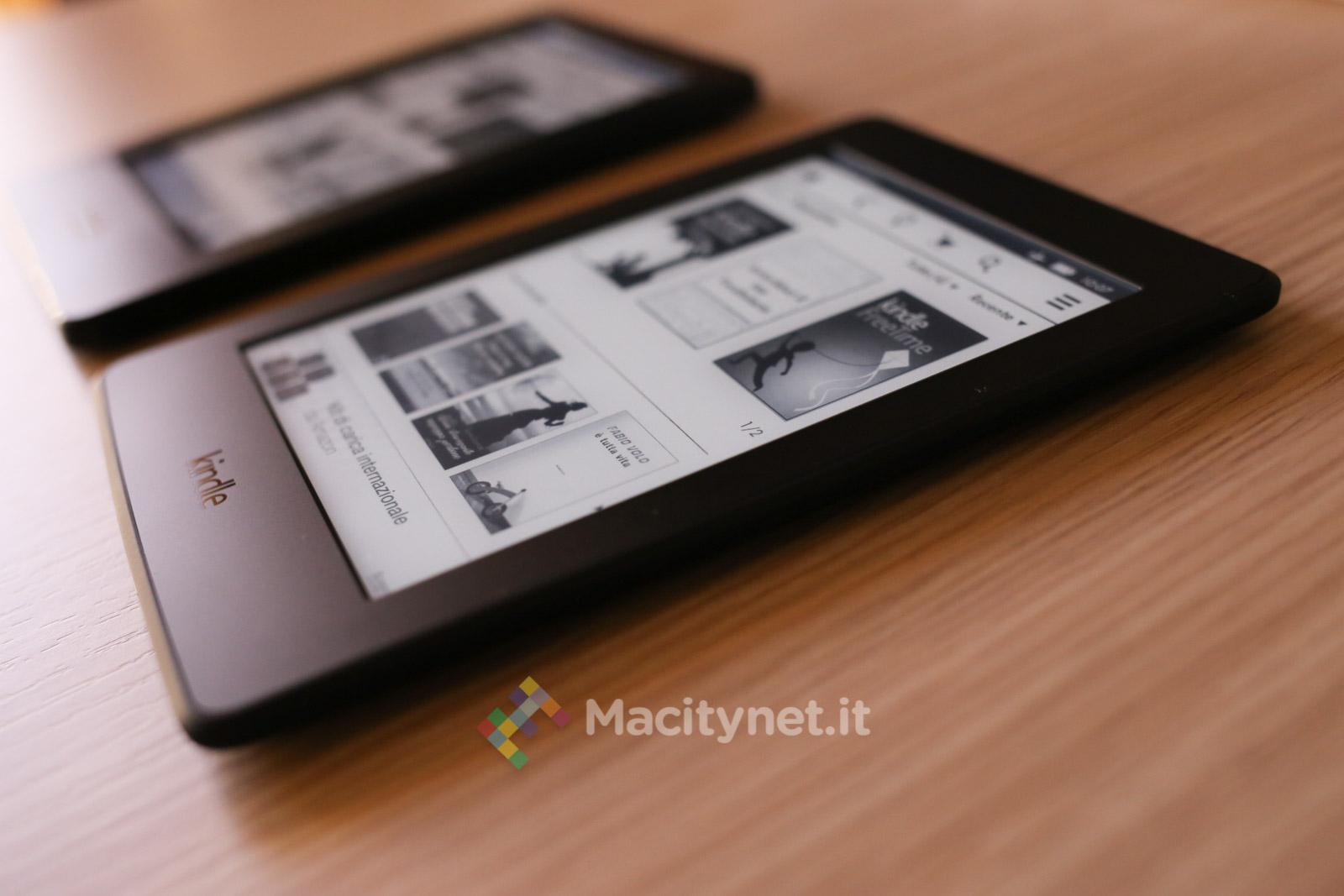Recensione Kindle vs  Kindle Paperwhite, in prova i due e