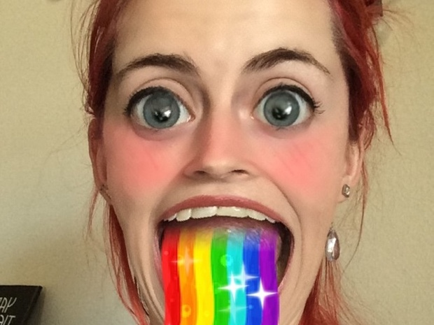 filtri per selfie snapchat vomitare arcobaleno