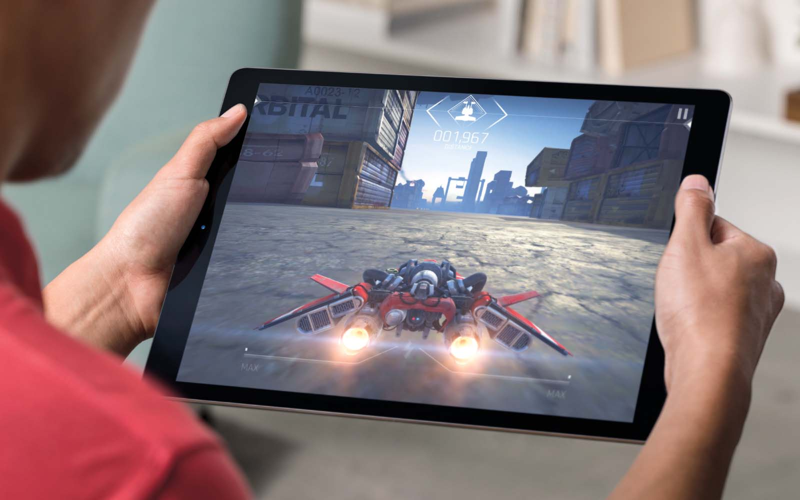 iPadPro Lifestyle-Gaming-PRINT