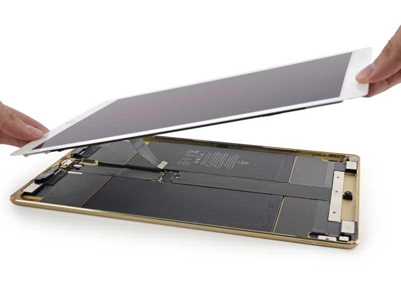 """Smontaggio iPad Pro, batteria più piccola a causa degli altoparlanti """"smart"""""""