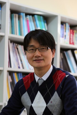 Tae-Woo Lee, Associate Professor della Pohang University of Science and Technology (POSTECH)