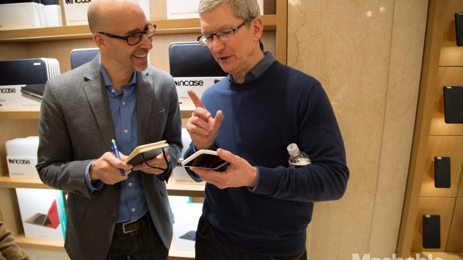 Apple Smart Battery Case mashable