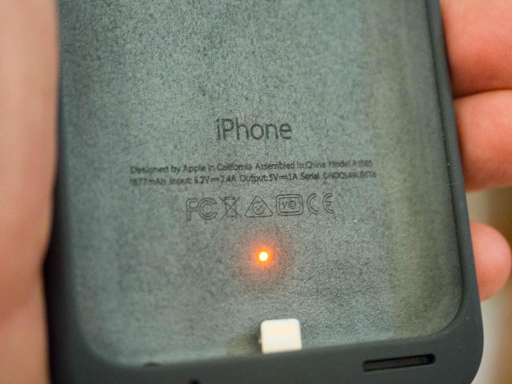 Apple lancia cover con gobba ecco le custodie con batteria