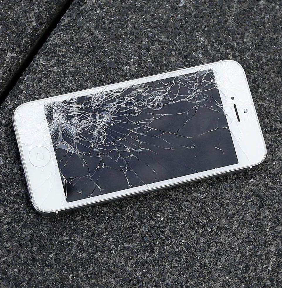 dati da iphone con schermo rotto