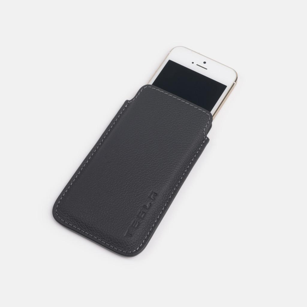 Accessori Tesla per iPhone e iPad | Custodie e cover in pelle