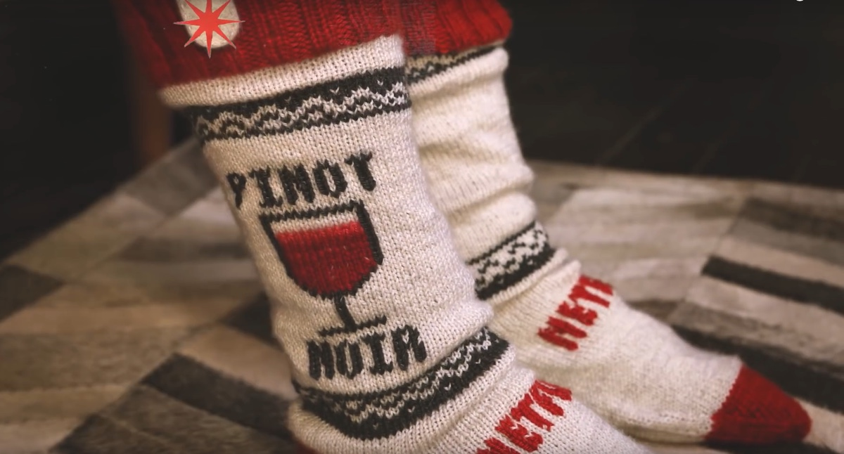 Geniali calze Netflix mettono in pausa se ti addormenti alla TV