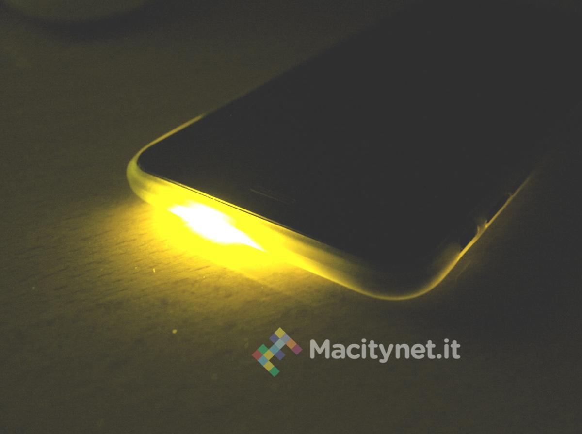 Come far lampeggiare il flash led di iphone per notifiche e