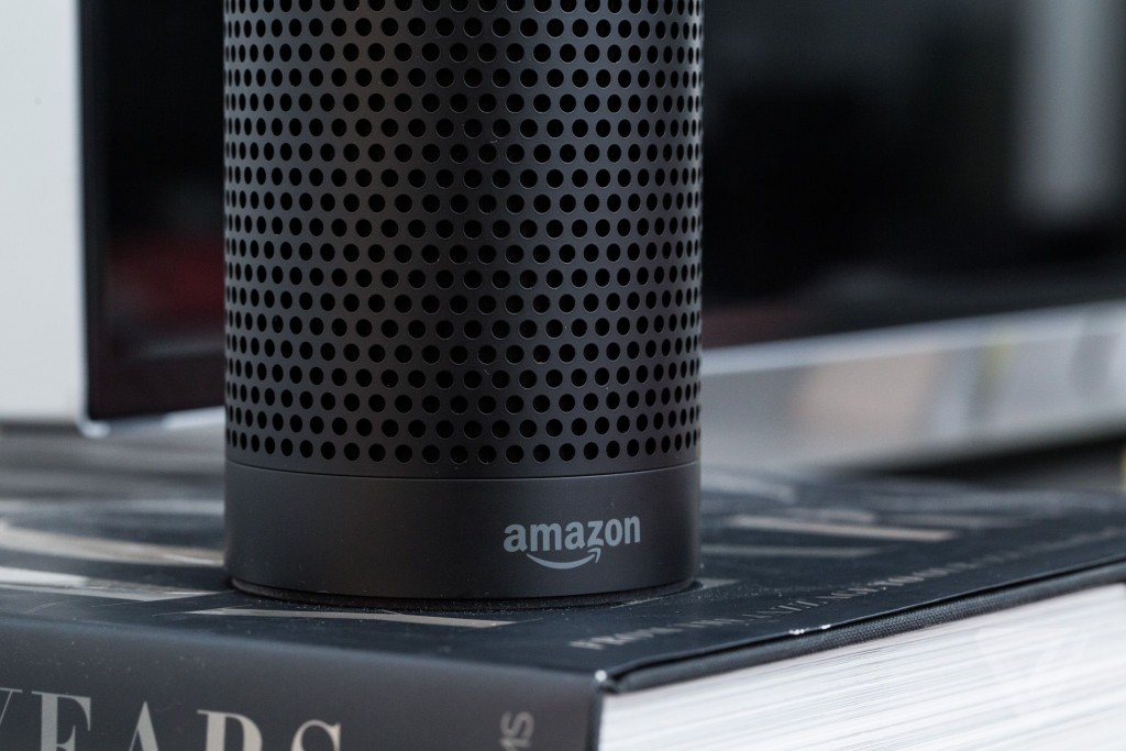 speaker siri - Amazon Echo