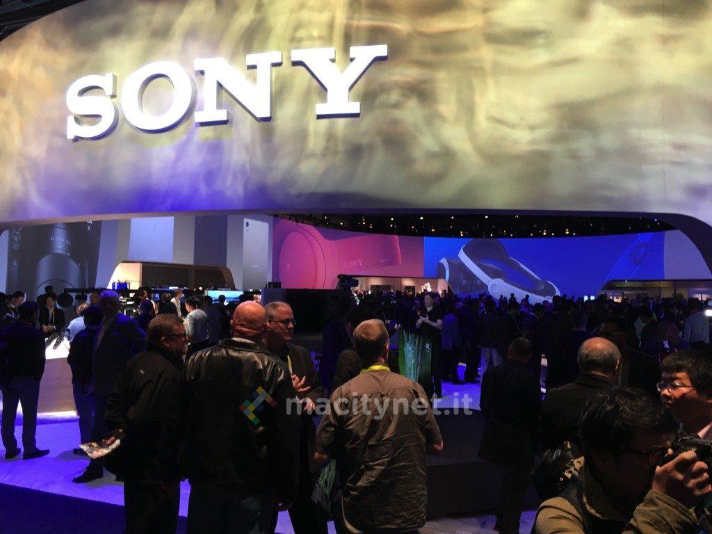CES 2016 Sony bravia 9 stand