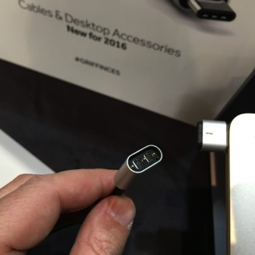 IMG_2026 Griffin connettore MagSafe USB-C CES2016