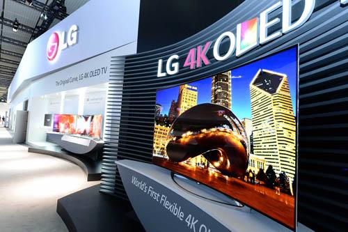 CES 2016 Demo TV OLED LG, vivetela in prima persona con la ripresa in 4K di Macitynet - Macitynet.it