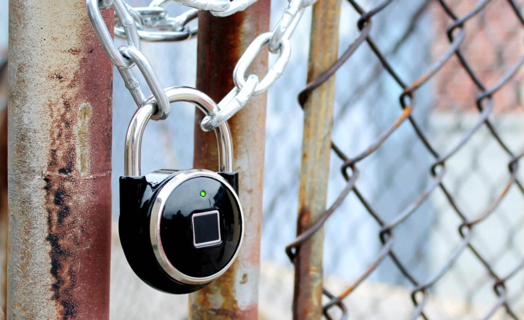 Tapplock il lucchetto che si sblocca con l 39 impronta - Fuga impermeabile ...