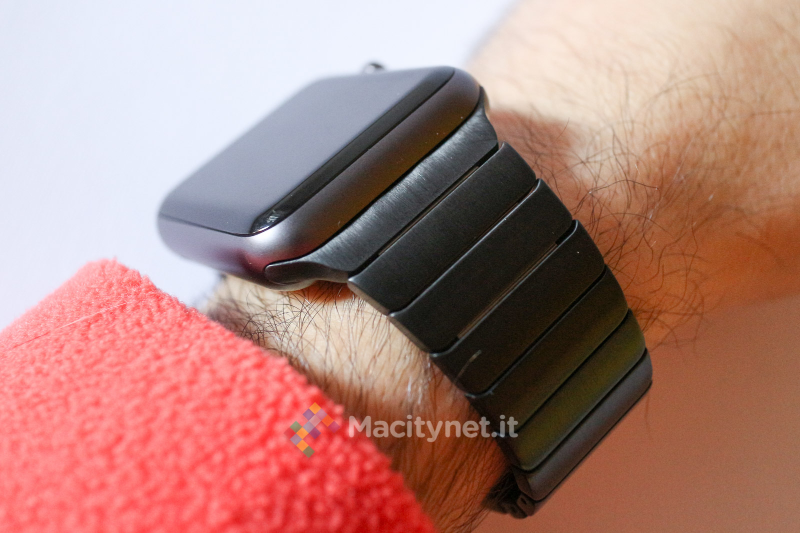 bracciale a maglie per Apple Watch di MoKo