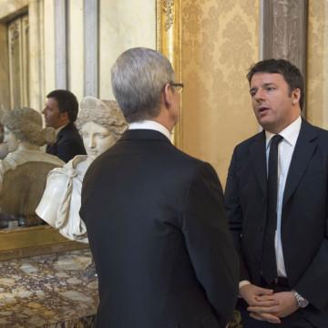 Il colloquio tra Cook e Renzi