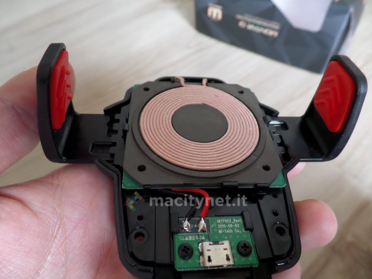 Recensione Montar Air Qi, la leggenda dei supporti da auto ora con ricarica wireless