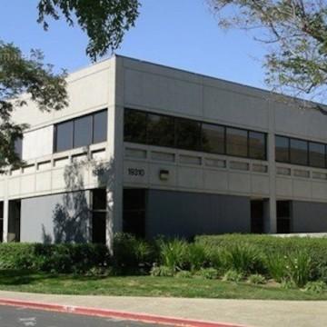Prima di Apple, nel terreno acquistato erano presenti alcuni edifici (più convenzionali dal punto di vista architettonico) un tempo usati da HP.