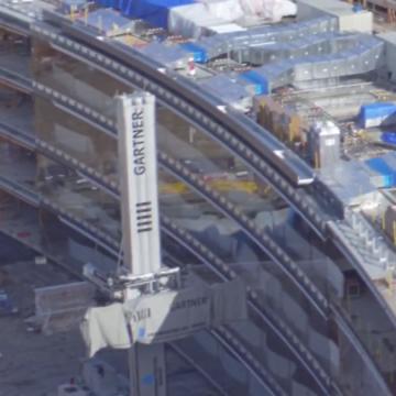 Secondo il fornitore che le ha costruite, l'edificio sfrutterà qualcosa come sei Km di vetrate.