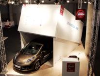 Nissan, la nuova Nissan Leaf al GSM esce dalla scatola di un iPhone