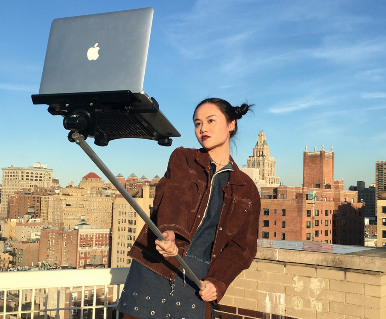 Asta selfie MacBook