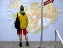 Sbaglia la via sul GPS e diventa una star in Islanda