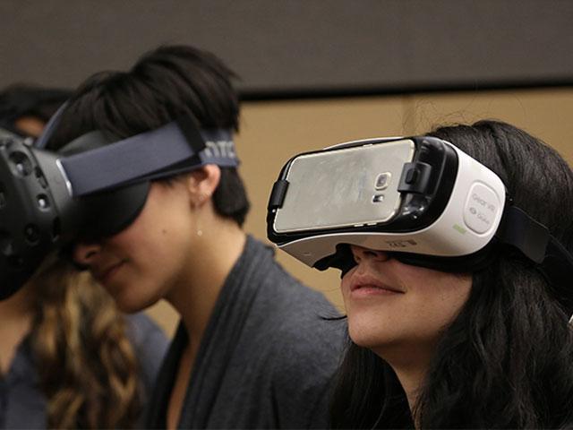 Apple a scuola di realtà virtuale, segue gli esperimenti alla Stanford University